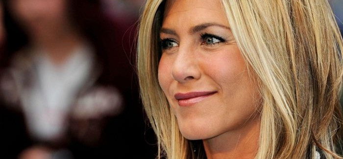 Stil Jennifer Aniston u uredu