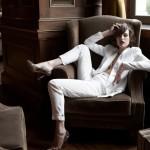 Bijelo odijelo za ljetni poslovni stil