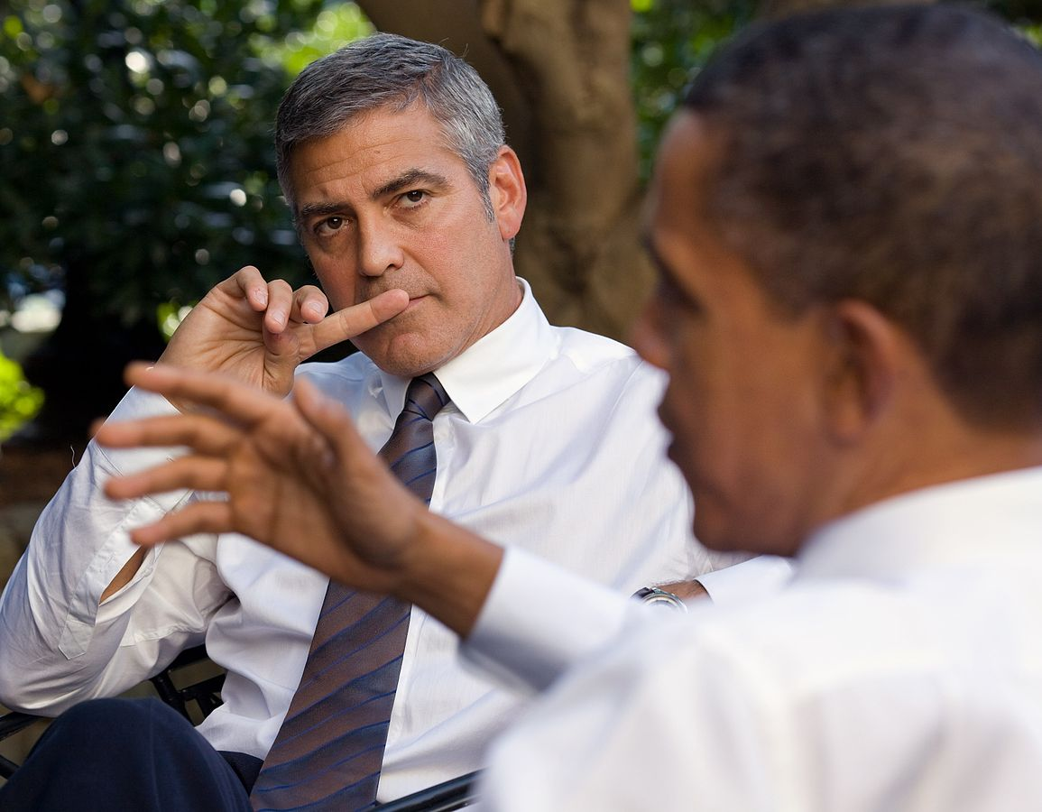 1155px-George_Clooney_-_White_House_-_October_2010_(cropped)