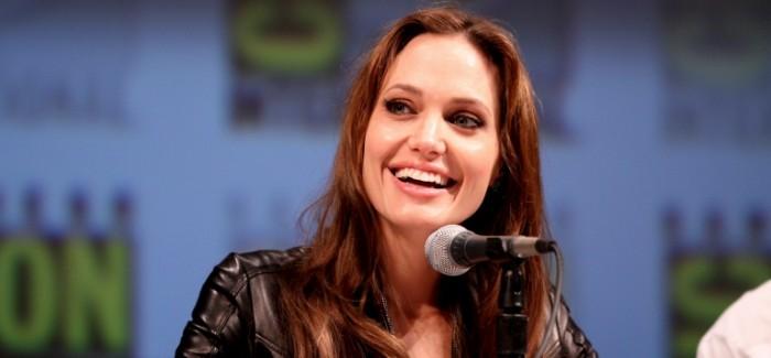 Angelina_Jolie_Pitt_1