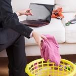 Brak s dvije karijere i dalje nosi neravnopravnost u podijeli kućanskih poslova