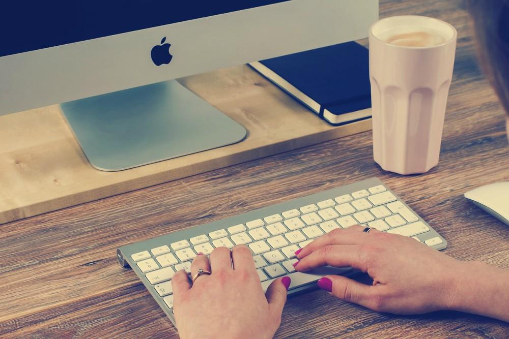 odgovaranje na e-poruke o dopisivanju trosmjerna električna sklopka