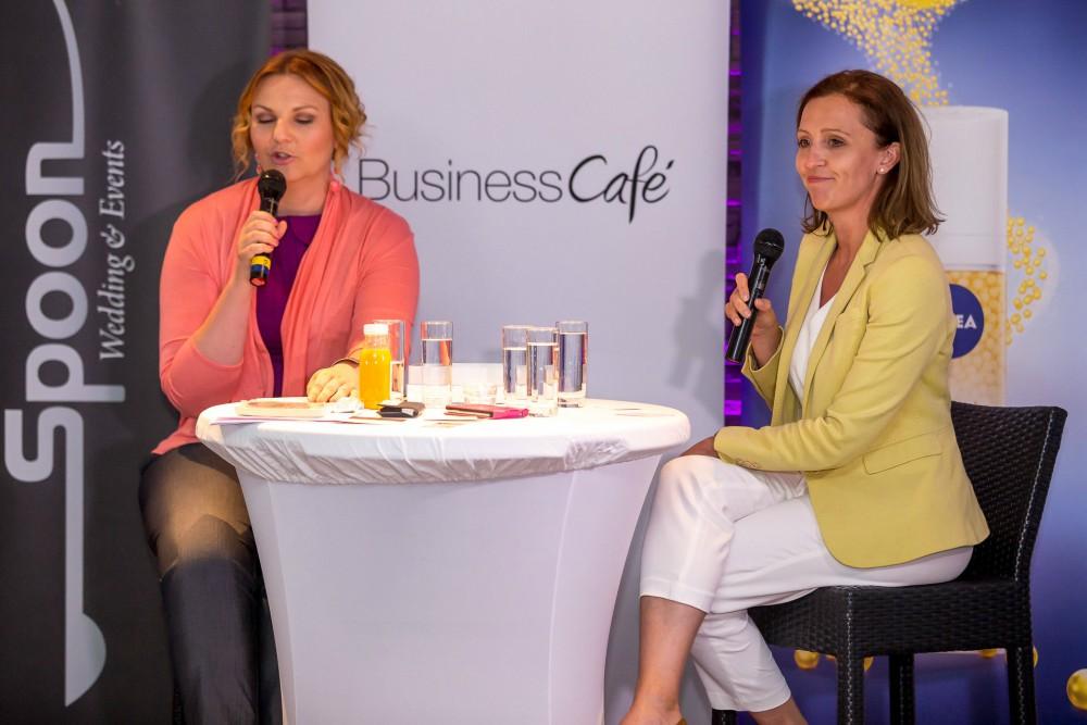 34. Business Café