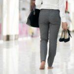Seksistička pravila o odijevanju: za odbijanje nošenja cipela na petu – otkaz!