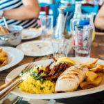 Četiri razloga zašto je zajednički ručak na poslu koristan za cijelu tvrtku