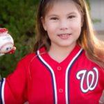 7-godišnja djevojčica s robotičkom rukom ne odustaje od svojih snova i postaje izvođačica prvih bacanja u američkoj bejzbol ligi