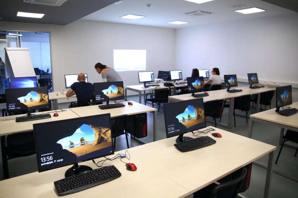 Poslovna inteligencija predstavila novi ured