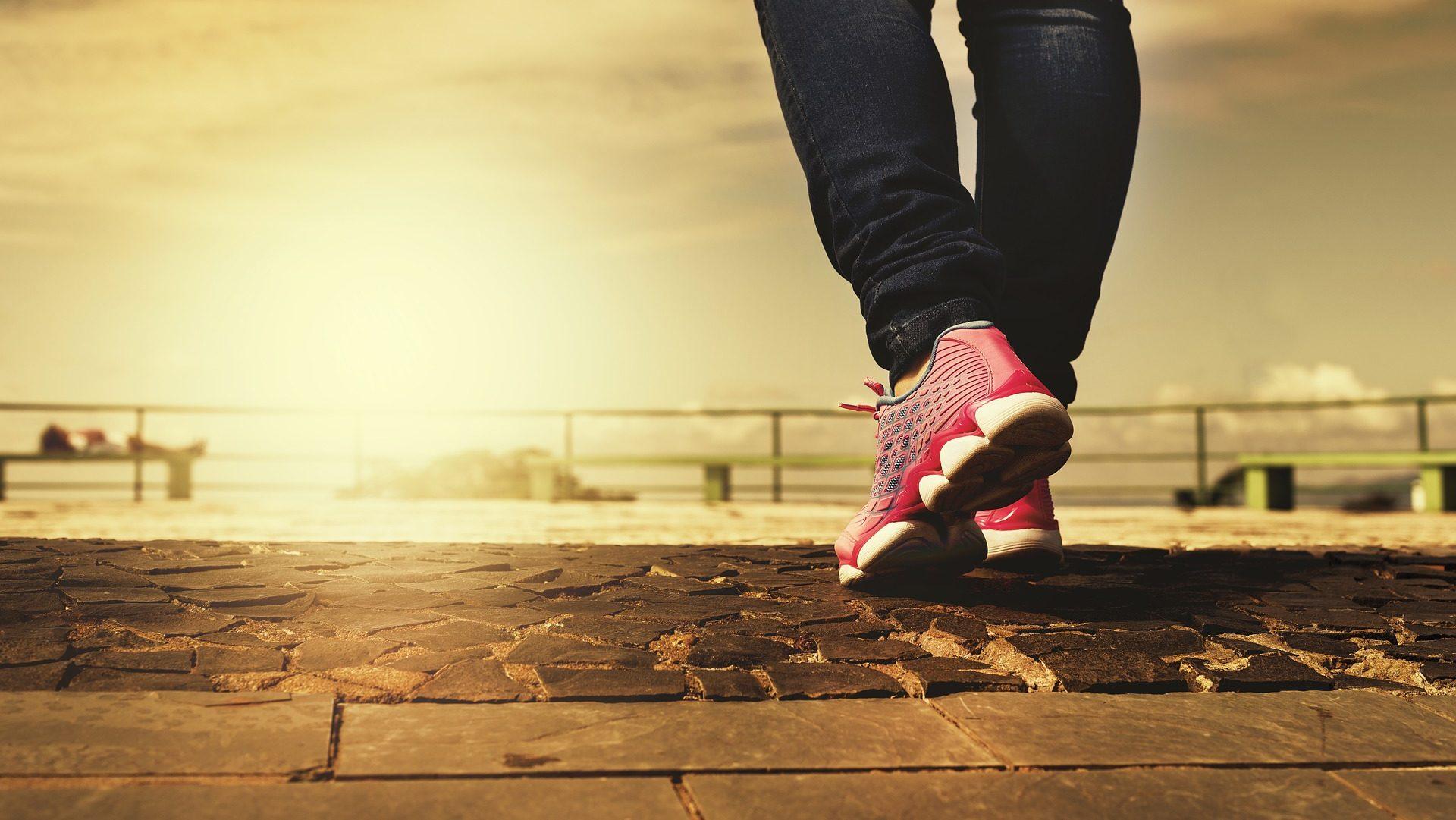 Cilj vam je 10 tisuća koraka dnevno? Evo koliko ćete kalorija izgubiti i možete li smršavjeti