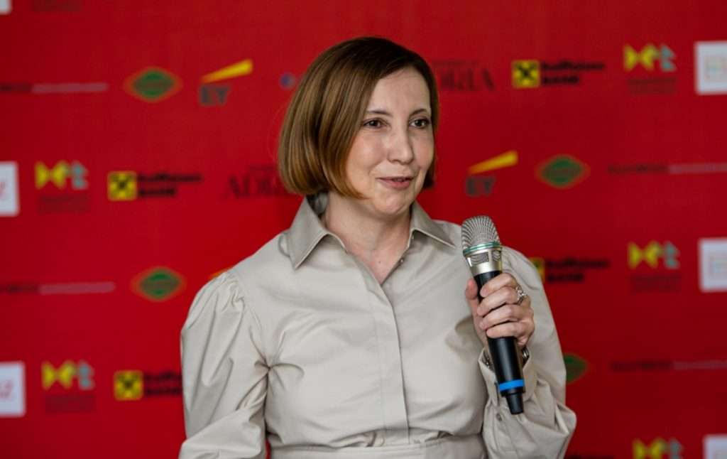 Zene u bankarstvu, Gordana Periškić