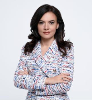 Albanska vlada .12 ministrica i 4 ministra Elisa-Spiropali